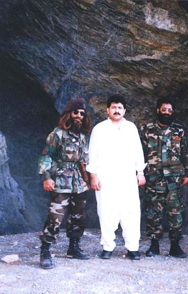 Exclusive Image: Hamid Mir (centre) with Ilyas Kashmiri