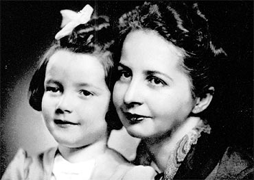 Subhash Chandra Bose's wife Eimilie with daughter Anita