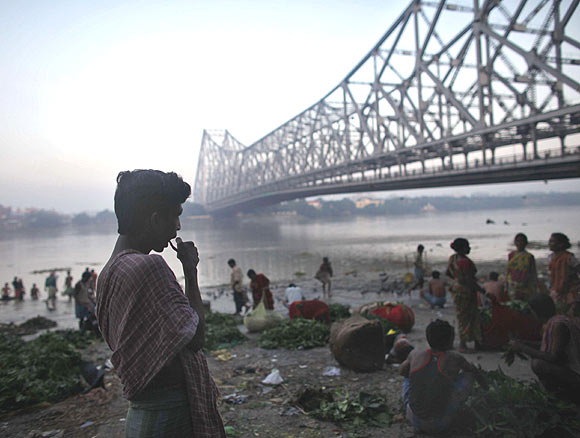 The population of Kolkata is population 1.41 crore, as per the 2011 Census