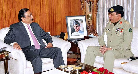 File photo of Zardari with Army chief Kayani