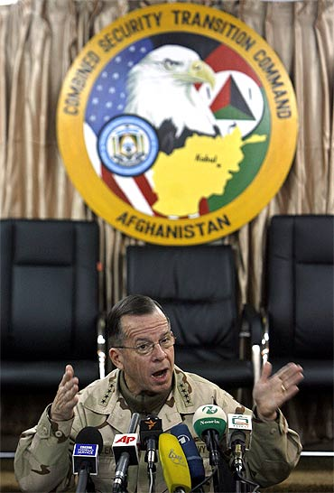 A file photo of former chairman of US Joint Chief of Staff Admiral Mike Mullen at a news conference at Camp Eggers in Kabul