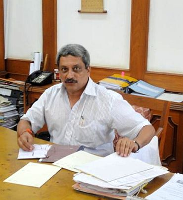 Have broken middlemen-defence ministry nexus: Parrikar