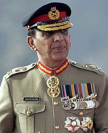 'Kayani meeting had nothing to do with decision to approach SC'