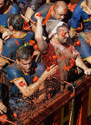 IN PHOTOS: The smashing La Tomatina festival!