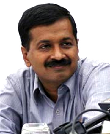 Delhi HC seeks Kejriwal's reply on Jaitley's fresh application