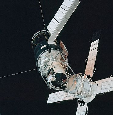 Skylab in orbit in 1973 as flown, docking ports in view