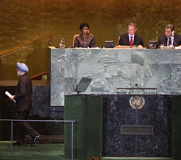 PM Singh leaves the podium after addressing the UN General Assembly on Saturday