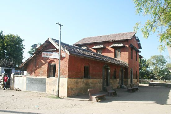 Bhagavatacharya Narayanacharya High School, the co-ed Gujarati-medium school that Modi attended