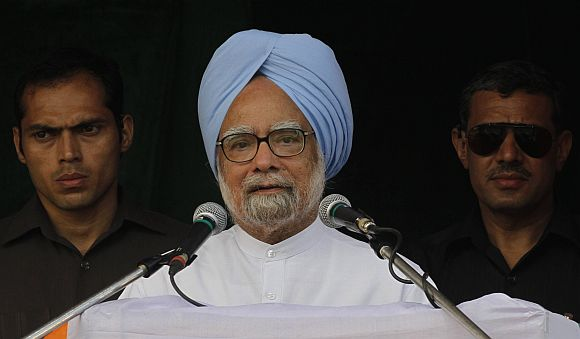 Manmohan goes guns blazing in Parliament