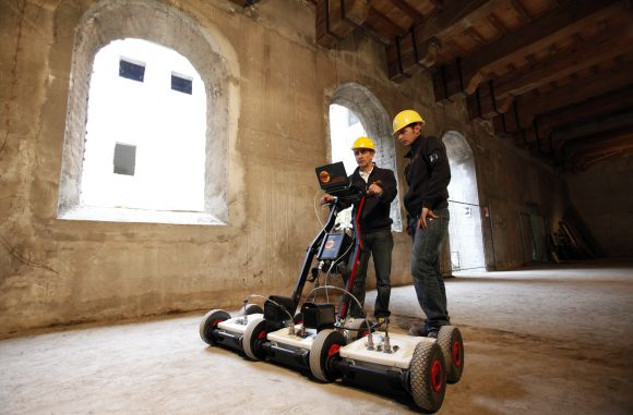 Experts work with a special radar as they search for the body of Lisa del Giocondo at a dilapidated convent in Florence