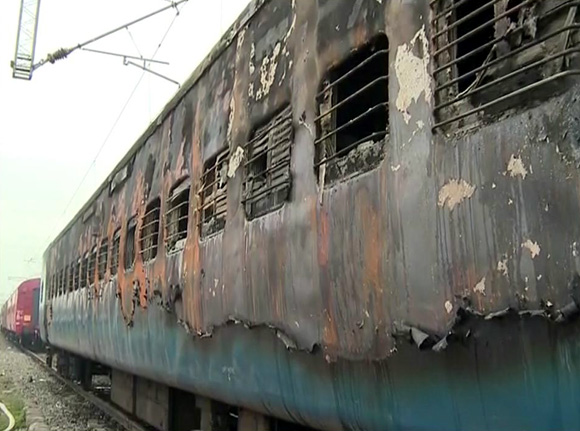 35 charred bodies recovered from TN Express S11 coach
