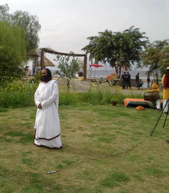 Ravi Shankar inaugurated the Art of Living movement at Bani Gala near Islamabad