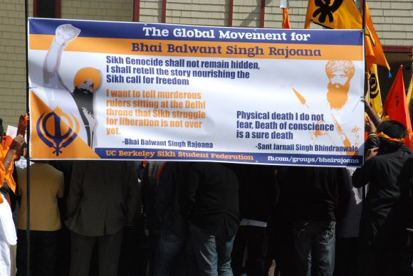 A banner invoking Rajoana's words is seen at the Sikh protest in San Francisco on Friday