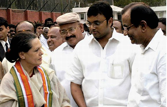 Karti, second from right, and P Chidambaram, right. with Congress President Sonia Gandhi, left