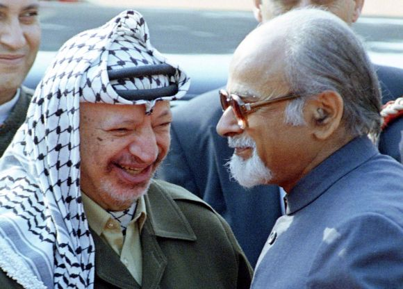 Yasser Arafat being greeted by former PM Gujral in New Delhi