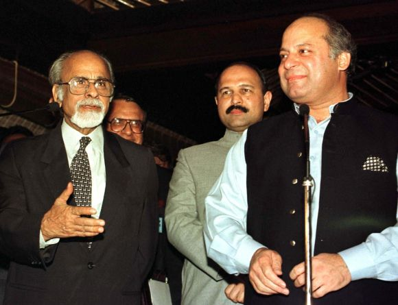 Gujral with then Pakistan PM Nawaz Sharif during the SAARC Summit in Maldives