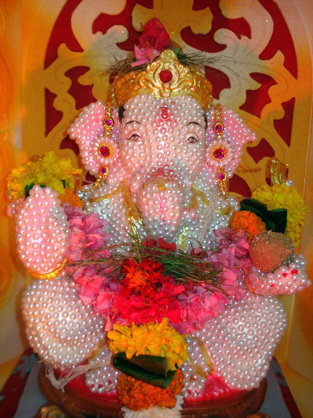 Readers welcome Ganapati at home