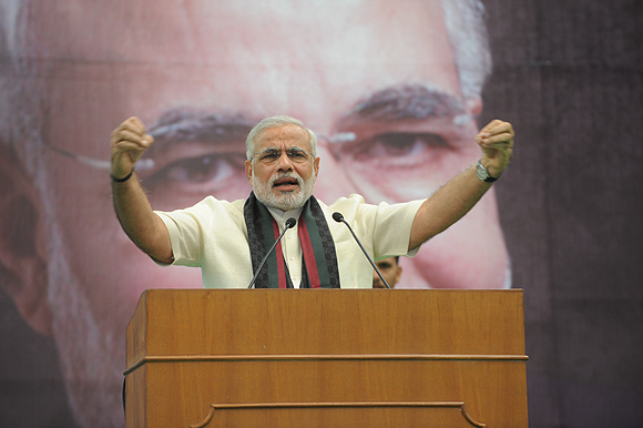 Modi delivers a speech at Shri Ram College in New Delhi