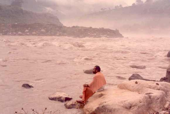 Modi contemplates on the banks of the Ganga in his younger days