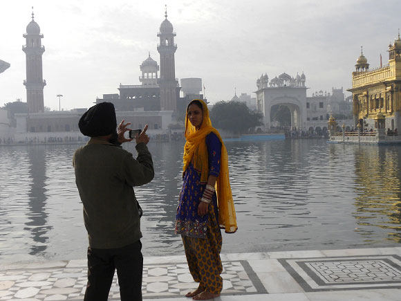 Special moments in front of the Golden Temple