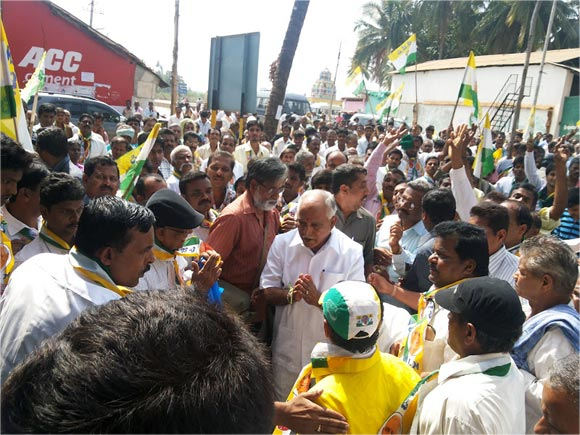 Voters love 'serial weeper' Yeddyurappa