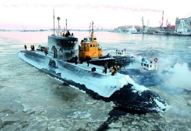 Navy to reuse sunken INS Sindhurakshak?