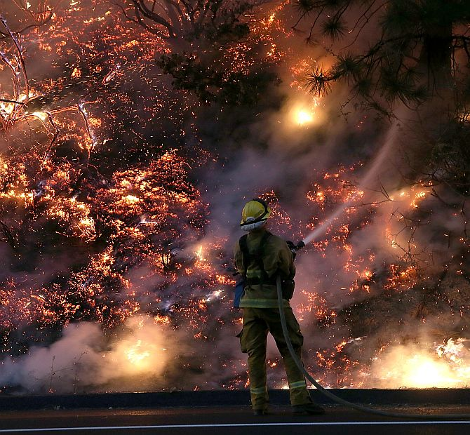 PHOTOS: This GIANT wildfire, seen from space, rages 10 days on