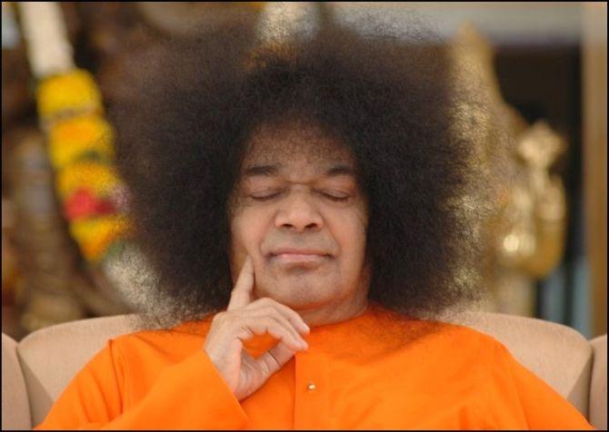 India's 10 most controversial gurus - Rediff com India News