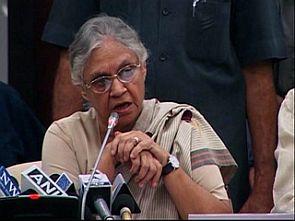 Sheila Dikshit admits: 'Bewakoof hain na?'