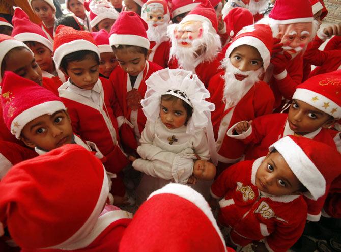 Photos: Ho, Ho, Ho And Merry Christmas!