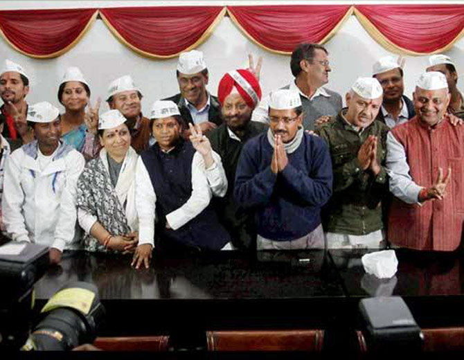 AAP leader Arvind Kejriwal with his team