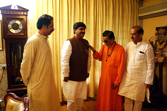 Uddhav Thackeray, BJP leader Gopinath Munde, Balasaheb Thackeray and Manohar Joshi.