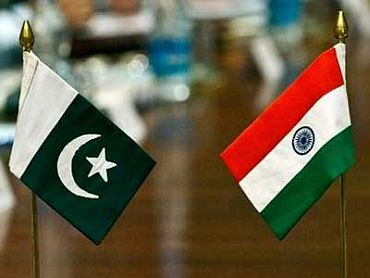 India News - Latest World & Political News - Current News Headlines in India - Pak writes to UN for urgent intervention to de-escalate tensions with India
