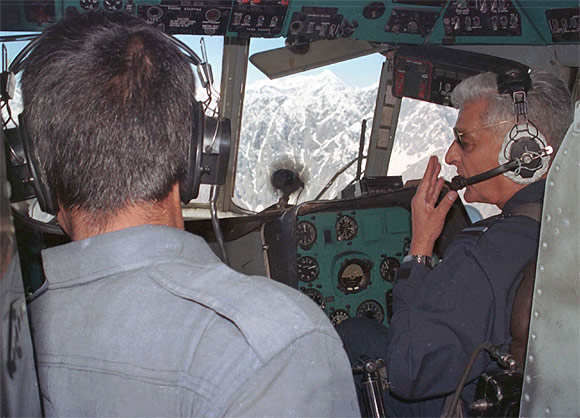 A Y Tipnis, then chief of the Indian Air Force, conducts an aerial survey of mountains in the Kargil sector,  June 16, 1999.