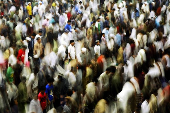 World immersed in holy Ramzan fervour