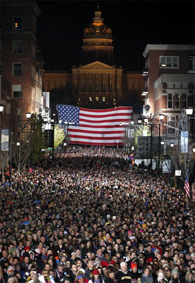 Crowd listens to US President Barack Obama on the last night of campaigning in Des Moines, Iowa.