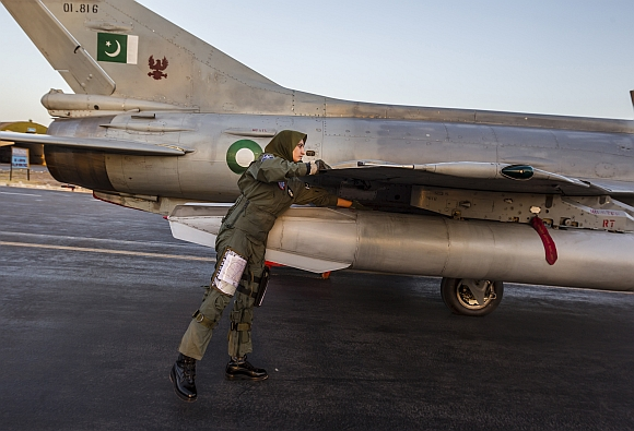 Pakistan's only WAR-READY female fighter pilot