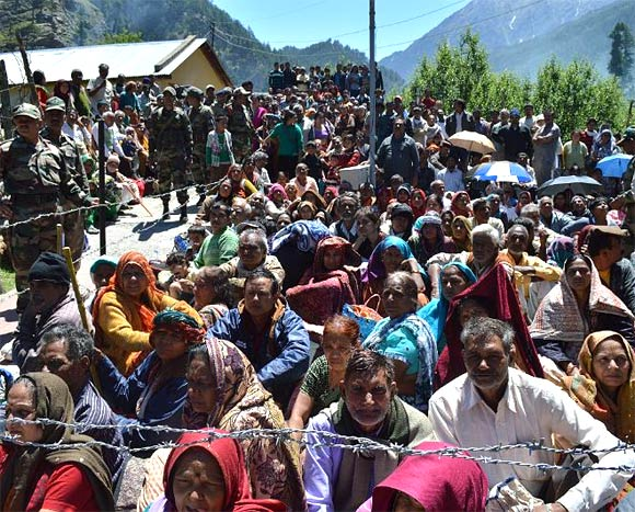 A large number of pilgrims are still to be evacuated from the heights in Uttarakhand