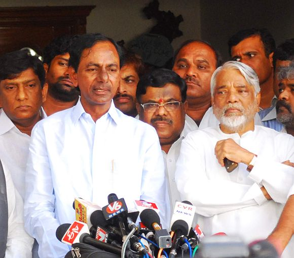 Keshav Rao (right) addressing the media jointly with TRS chief K Chandrashekar Rao in Hyderabad