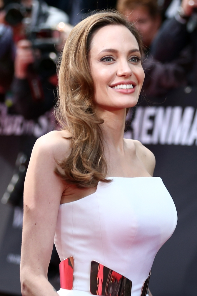 Actress Angelina Jolie attends 'WORLD WAR Z' Germany Premiere at Sony Centre in Berline