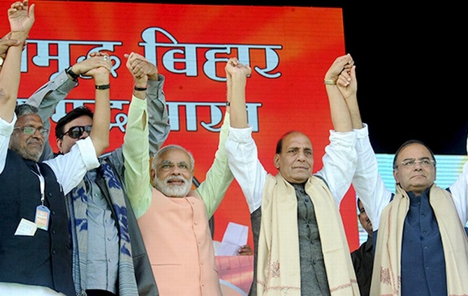 BJP leaders Sushil Kumar Modi, Satrughan Sinha, Narendra Modi, Rajnath Singh and Arun Jaitley at the rally in Patna