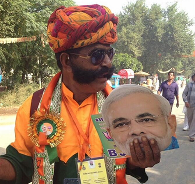 MODI MANIA: 10 candid moments from the Rewari rally