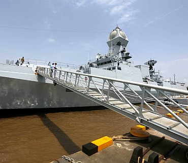 Modi to commission INS Kolkata sans firepower