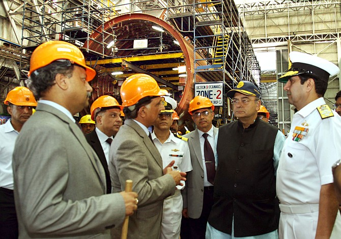 Jaitley takes stock of submarine, warship construction