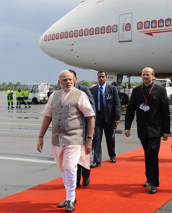 US officials hail Modi's steps to firm up ties with neighbours