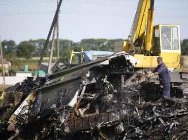 MH17 crash: Ethnic Indian crew's son consoles grandfather