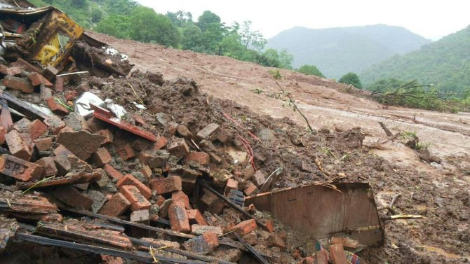 17 dead in Pune landslide, NDRF mounts rescue effort
