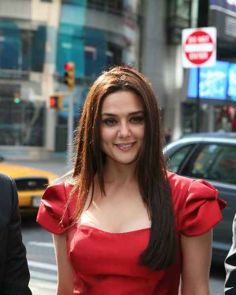 Underworld don reportedly warned the Wadias not to 'harass' Preity Zinta