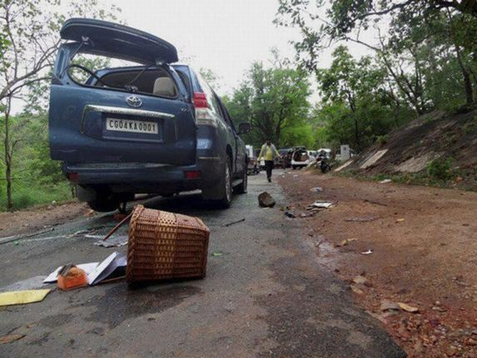 Naxals attack a covoy of Congress leaders in Darbha valley in Chhattisgarh