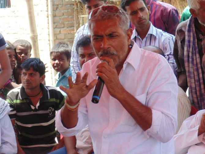 JD-U's Prakash Jha campaigns in West Champaran district